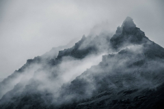 Berg-mountain-foggy-1149637_1920